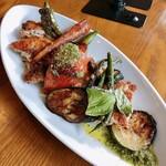 キュイ ラルドワーズ - 料理写真:阿波尾鶏とズッキーニとナス甘長のロースト