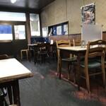 林屋食堂 - 内観