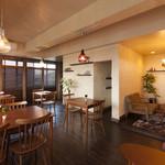 紫陽花珈琲 - 3F禁煙で、ソファ席もありますので、ゆっくり寛げます。