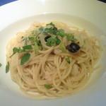 15619950 - 小海老と白菜・ブラックオリーブのパスタ