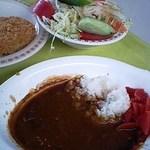 四日市大学 学食 - 料理写真:カレーとサラダとメンチカツ