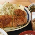 一喜 - ささみチーズかつとカキフライ定食(750円)