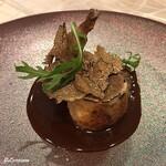 プチレストラン ブーケ・ド・フランス - 料理写真:フォアグラを詰めた鶉トリュフ添えソースポルト