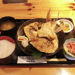 高橋水産 - 料理写真:本日のカマ焼きと鮪なかおちセット(税込979円) ※ブリのカマ焼き