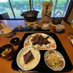 156239180 - 炭焼き鰻と鉄釜で炊くご飯