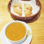 ケバブ家 KEBAB ye - レンズ豆のスープ。