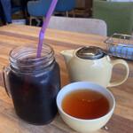 メレンゲ - アイスコーヒー450円とアールグレイ580円
