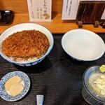 手打ちそば処 椿屋 - 料理写真:わらじかつ丼  (1枚)   ¥650    お蕎麦セット + ¥500