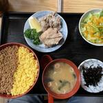 雛どり - そぼろ丼定食1,000円