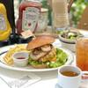 オニジャス コーヒー ヴィレッジ - 料理写真:チェダーチーズバーガー¥1430+セットドリンク¥220