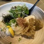 うどん匠人 岡本 - 自家製豆腐と野菜天のぶっかけうどん
