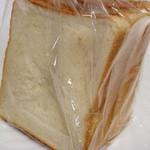 食パン工房 - 食パン 6切4枚126円