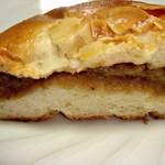 食パン工房 - 紅茶クリームパン断面