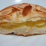 食パン工房 - クリームパン断面