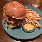 原価ビストロBAN! - 焼きアボガドチーズハンバーガー1150円