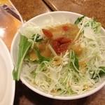 バーミヤン - 餃子セットのサラダ