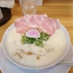 鶏そば なる川 - 料理写真:
