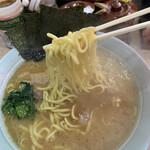 横濱ラーメン あさが家 - ラーメン 麺リフト