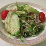 アリオリ - 料理写真:サラダ