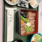 特別食堂 日本橋 - ステーキ丼