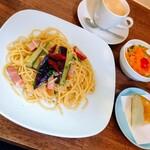 カフェズキッチン グーズベリー - 料理写真:茄子とベーコンのペペロンチーノ