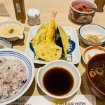 えびのや - 料理写真:天ぷら定食♡ コレはお値打ち♡♡ᵕ̈*⑅