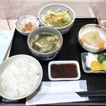 串匠 - 串揚げ定食(1000円)を頂きました。 ◆基本のセット・・小鉢も多く嬉しい。ご飯とお味噌汁は、お代わり無料。