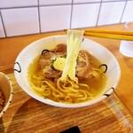 島豆腐と、おそば。真打田仲そば - 平麺です。