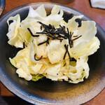 朝どれ鮮魚と和ノ個室 白石 - おつまみキャベツ