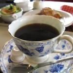 M2e - ホットコーヒー¥380