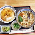 彦屋 - 料理写真:カツ丼セット(うどんは普通盛りで)