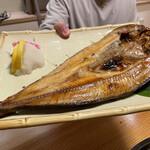 郷土料理 おが - 開きほっけ この大きさに比例して身はボリュームありとってもジューシーで食べ応えあり!
