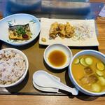 やよい軒 - 料理写真:「冷汁ととり天の定食」890円税込み+「もち麦ごはん変更(大盛)」80円税込み