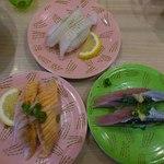 15640442 - 秋刀魚、炙りえんがわ、炙りトロサーモンです。
