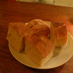 クオーレ・フォルテ - 自家製パン