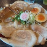 156437345 - 熟成らー麺 大盛り 味玉チャーシュートッピング