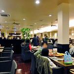 神戸クックワールドビュッフェ - 広々としています