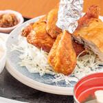 味処酒房なかむら - 料理写真:若鶏の半身揚げ