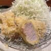 とんかつ わか葉 - 料理写真:ゆず豚ヒレカツ定食 2100円 肉の優しいうまみと味!塩とからしで食べるのが好き。最後の一口がたまたま?衣と油が結託していてきつかった。でも基本おいしかった!