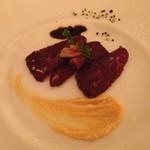 リストランテ イル バンビナッチョ - 蝦夷鹿のドライ熟成をマリネしたもの  案納芋のソース