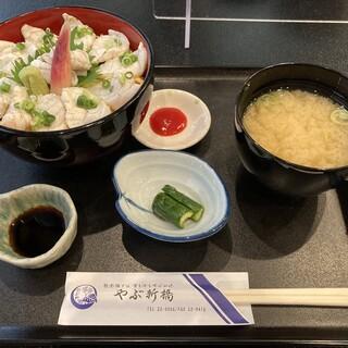 やぶ新橋店 - 料理写真:輪島ふぐ炙り丼