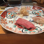 寿司処 福家 - マグロ女
