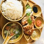 シンガポール海南鶏飯 - 海南鶏飯 蒸し&揚げ ハーフセット