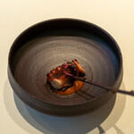 レストラン オオツ - 2021.8 やわらかく茹でソテーした明石産真蛸 夏野菜のソース アマランサス