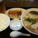 156488532 - 餃子セット トンコク醤油ラーメン
