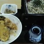 15649426 - 本日のランチ、ざるそばと天野菜丼、そばは大盛2段