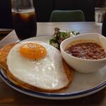 DIORAMA CAFE - チリコンカンパンケーキ、アイスコーヒー