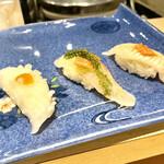 たつみ寿司 - ①イカの松笠梅肉乗せ②鯛のアンチョビ・海葡萄乗せ ③生穴子
