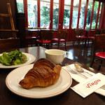 156531542 - Menu B 990円(クロワッサン・本日のスープ・グリーンサラダ)