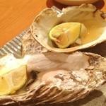 海のぼん - 焼き牡蠣♡アド街ック天国を見たせいでどうしても食べたくなりました。